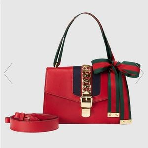 New GUCCI Silvie small shoulder bag red